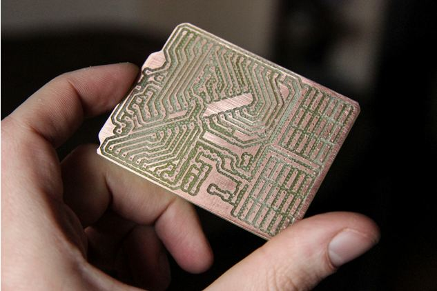 fabtotum-hybrid-3D-printing-3D-scanning-milling-device-5