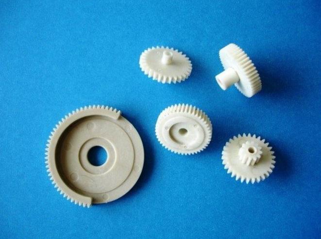 ポリアセタール(POM) 特性 用途 エンジニアリング・プラスチック