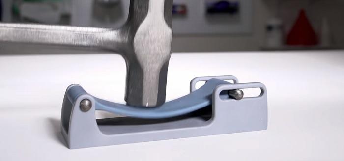 Carbon M1 3Dプリンター 光造形 軟質ポリウレタン