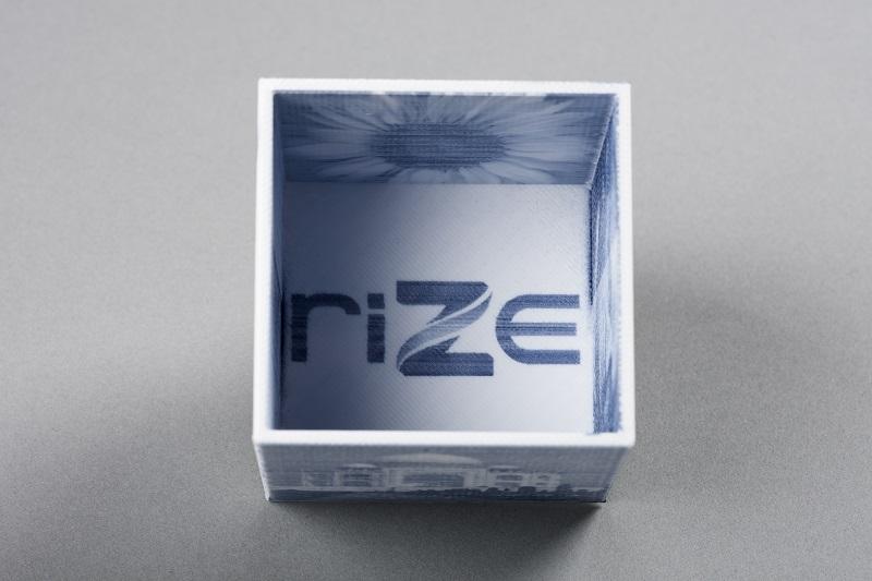 Voxel(ボクセル) 3Dプリンター フルカラー FDMとインクジェットの融合 RIze