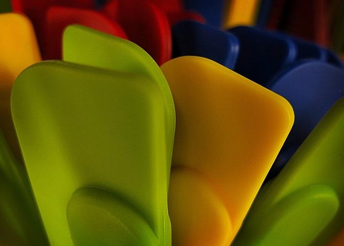 シリコーン 特性 用途 代表的製品 特長